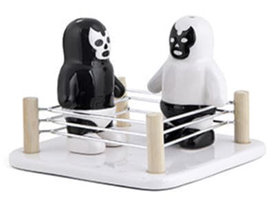 Αλατοπίπερο Kikkerland Luchador Salt VS Pepper Shakers