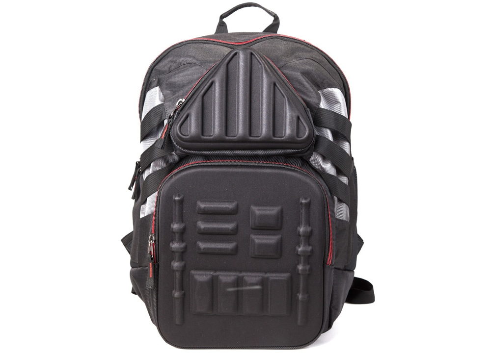 3db00e8aa5 Τσάντα Bioworld Star Wars- 3D Molded Darth Vader Backpack